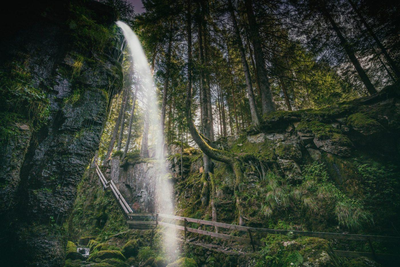 Naturheilpraxis-wasserfall-Andree-Reuter